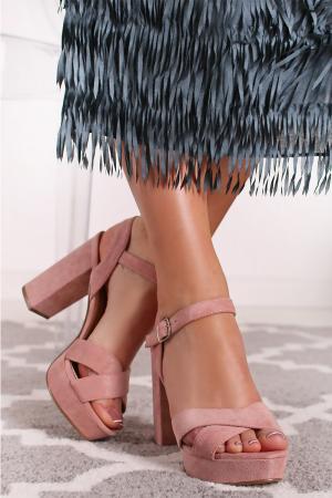 Svetloružové sandále 69535